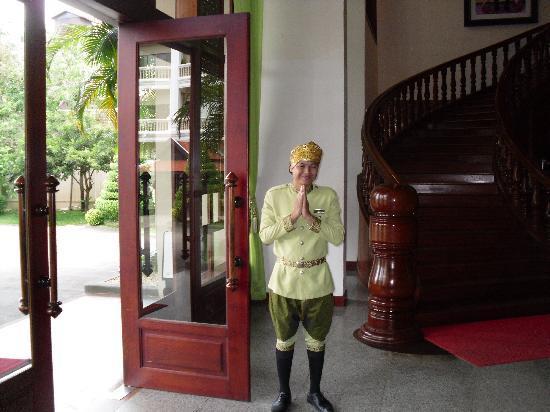 รีสอร์ท&สปาโบเร อังกอร์: Greeting @ Hotel