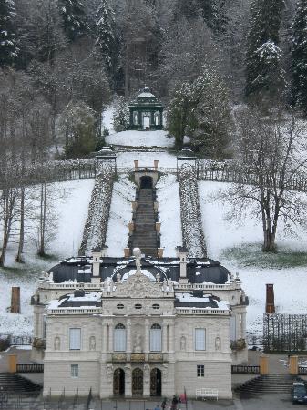 Gastehaus Maria: LInderhof castle