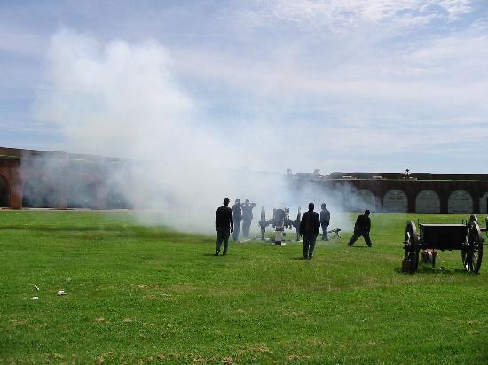Fort Pulaski National Monument: Cannons