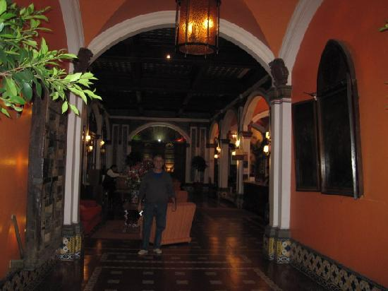 Best Western Hotel Majestic: Entry hall
