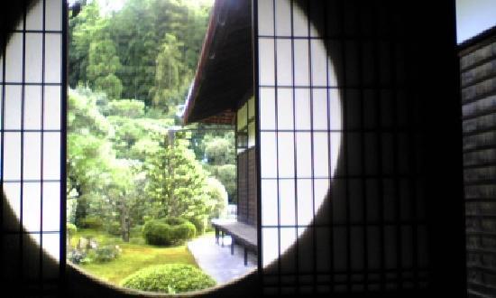 วัดเซชูจิ: 哲学の窓ではないですが、似た感じのものがあります。