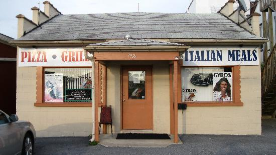 Front View - Dolce Pizza & Eastern European Restaurant
