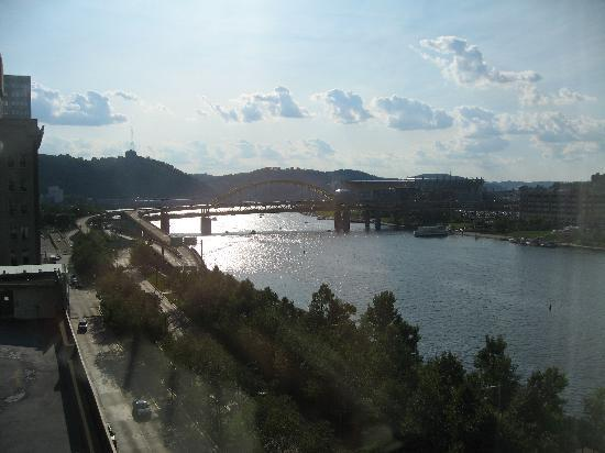 Renaissance Pittsburgh Hotel: View from our Room