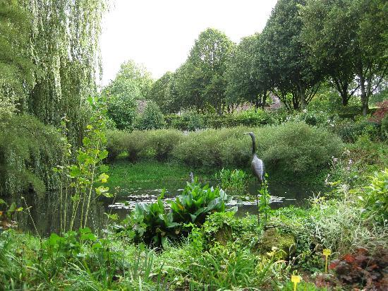 Le Prieure Saint-Michel: A small section of the gardens