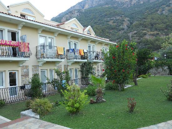 Mavruka Hotel: garden view