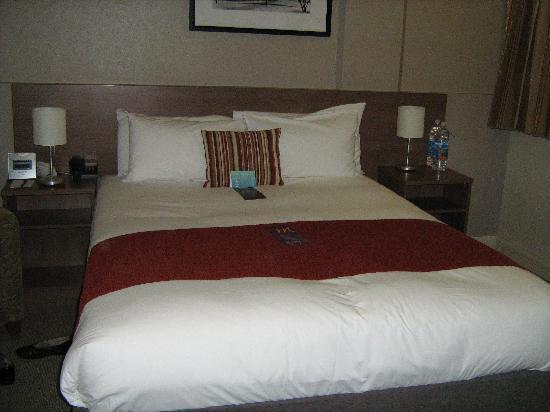 โรงแรมเมอร์คิวร์กรอสเวเนอร์: Bedroom