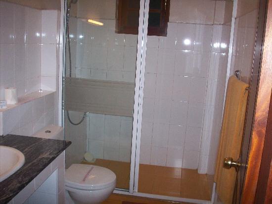โรงแรมซีรีน การ์เด้น: Dev Shona kandy hotel Pics 3