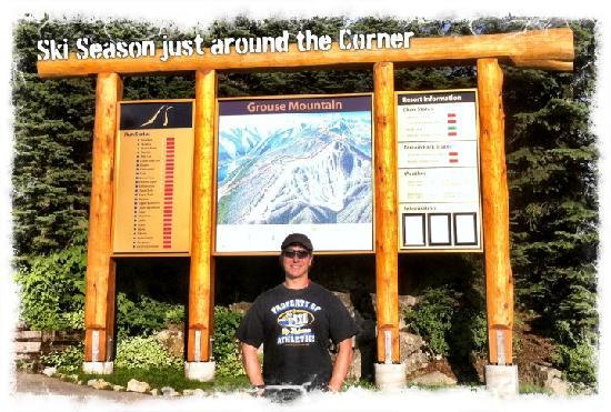 Grouse Mountain Skyride: Jay infront of the Grouse Mtn Map at the Resort