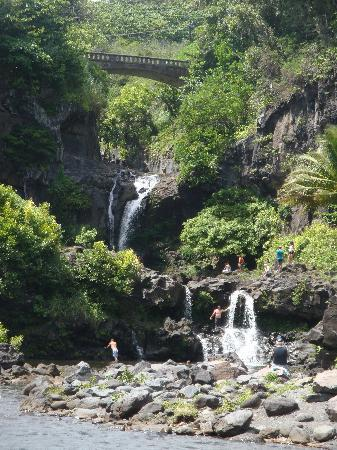 Valley Isle Excursions: 7 Sacred Pools