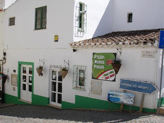 Casa Padaria Pizzeria: outside