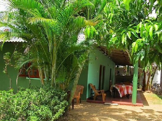 Leesha Tourist Home: LEESHA Exterior