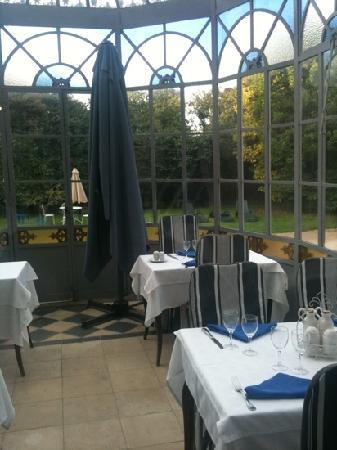 Hotel de l'Europe: dehor e giardino interno
