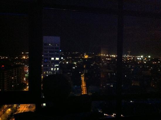แกรนทอร์เรคาทาลันยาโฮเต็ล: At Night