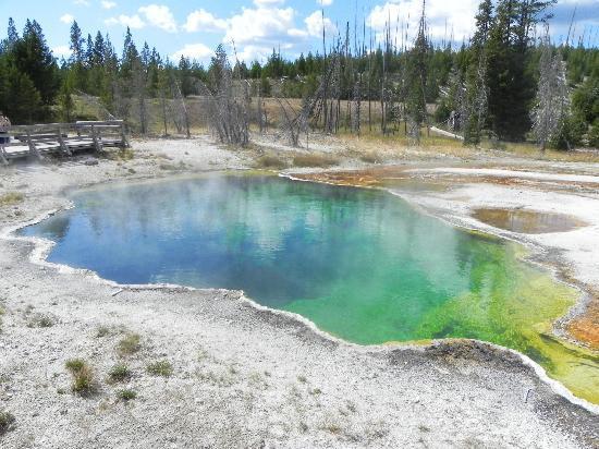 West Thumb Geyser Basin: Abyss Pool