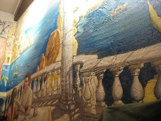 Casa Mamma: The mural of Amalfi and Capri