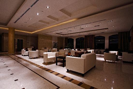 Siris Hotel: lobby