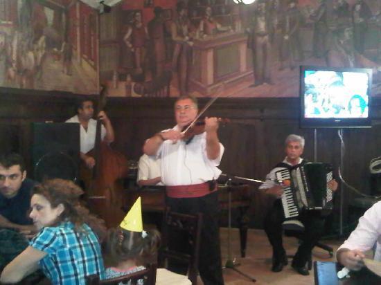 Caru' cu bere: Music at Caru'cu Bere