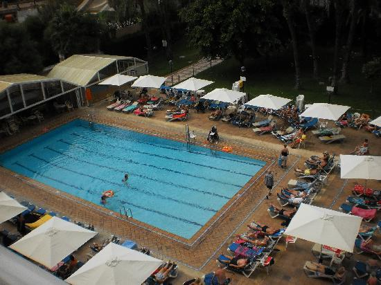 Hotel Helios Benidorm: pool view from room 419