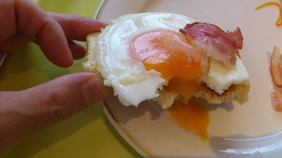 Hotel Sun Route Muroran: 卵の黄身の按配もgood