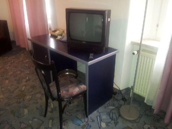 Hotel am Obermarkt: Schreibtisch ohne Platz zum Schreiben