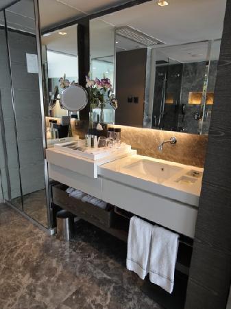 โรงแรมเดอะมิร่า: club city room