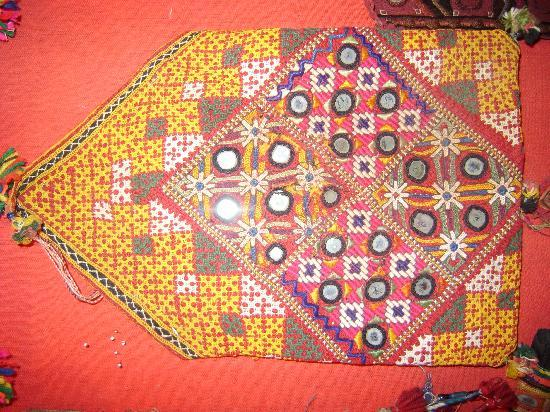 Jai Shankar Handicrafts: dowrey bag