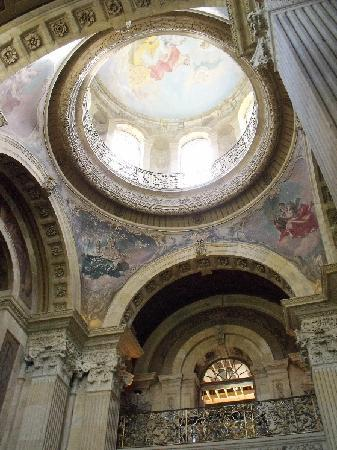 Castle Howard: Rebuilt dome, destroyed by fire in 1940