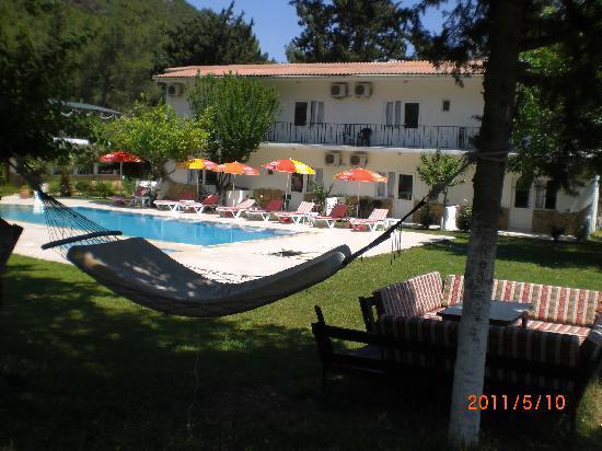 Maviay Hotel Adrasan: Maviay Hotel in garden hamak köşkü