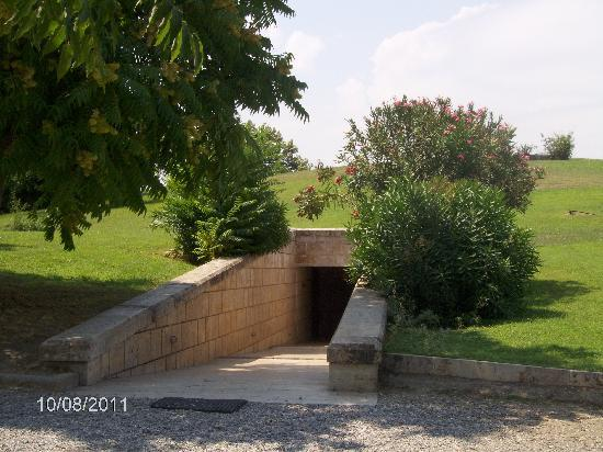 พิพิธภัณฑ์และสุสานเวอร์จินา: View of entrance