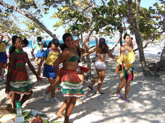 Sol Rio de Luna y Mares: Beach party