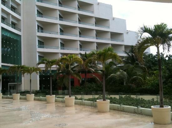 Live Aqua Beach Resort Cancun: :)