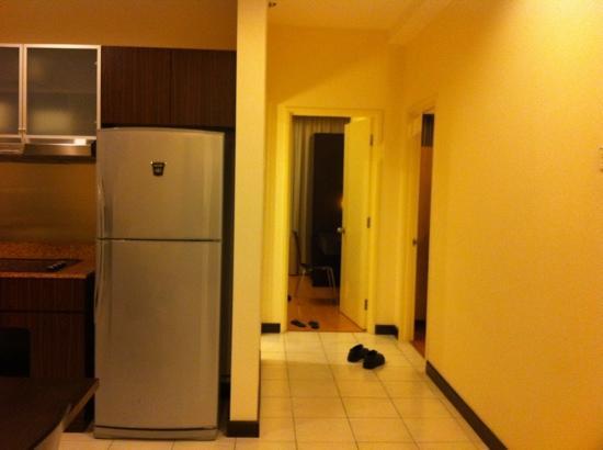 ซอมเมอร์เซต เซริ บูกิต ซีลอน: Hallway to two bedrooms