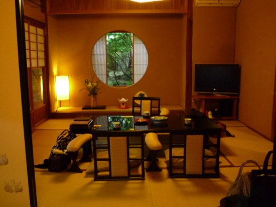 Kansuiro: お部屋の様子。ゆったりとしています。