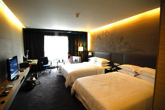 โฟร์พอยท์บายเชอราตันกรุงเทพ, สุขุมวิท 15: Great room..