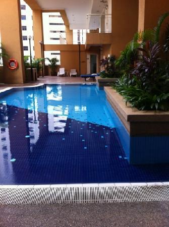 ซอมเมอร์เซต เซริ บูกิต ซีลอน: pool