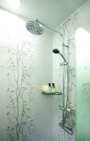 ดู ฮานอค เกสท์เฮาส์: Bathroom booth
