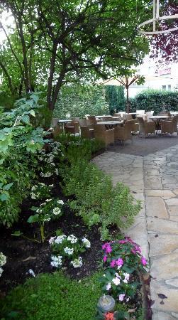 Hotel Magellan: Courtyard