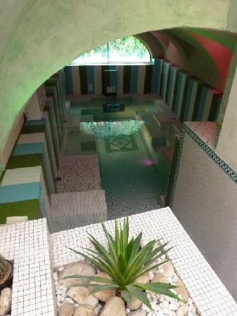 Cour des Loges: La piscine