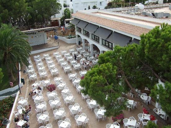 Inturotel Esmeralda Park: Bar and entertainment area