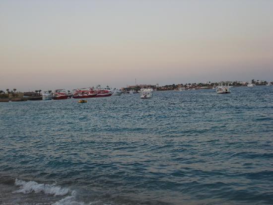 Menaville Resort: the beach