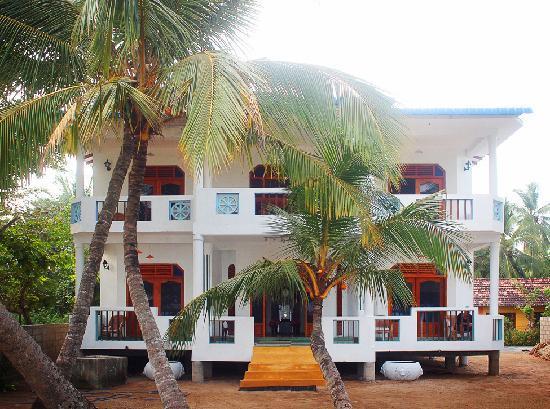 Hotel Frangipani Beach Villas Sri Lanka