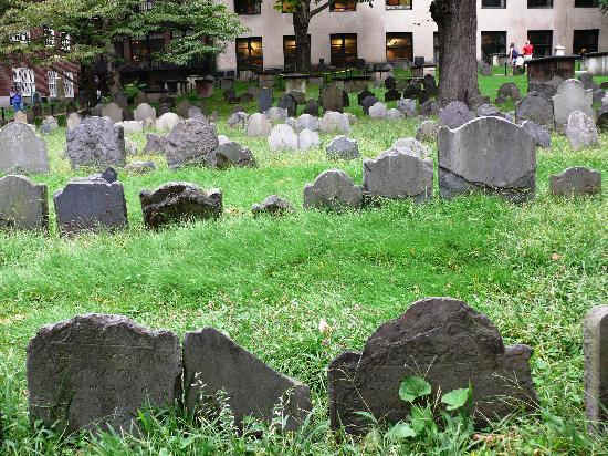 Freedom Trail: Granary Burying Grounds