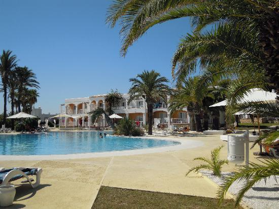The One Ibiza: piscina