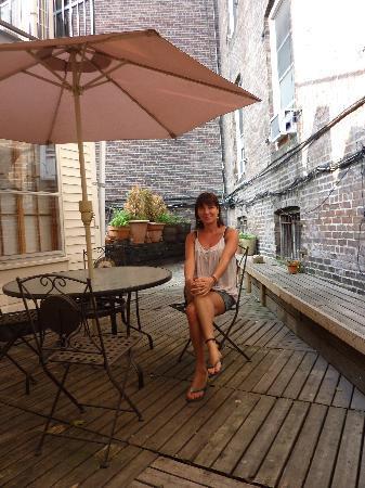The Canal Park Inn: the lovely patio