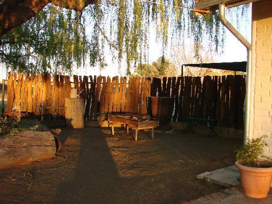 Prior Grange Guest Farm: Braai Area