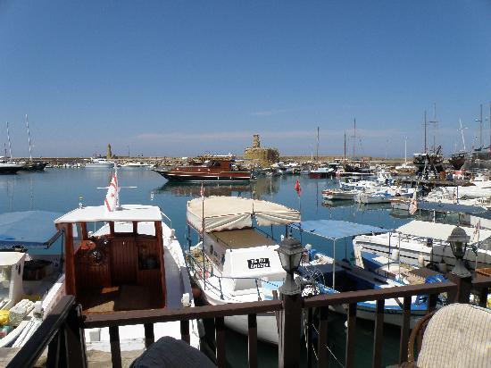 ท่าเรือไคเรเนีย: Kyrenia harbor