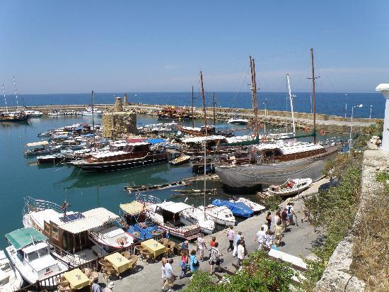ท่าเรือไคเรเนีย: View of port 2