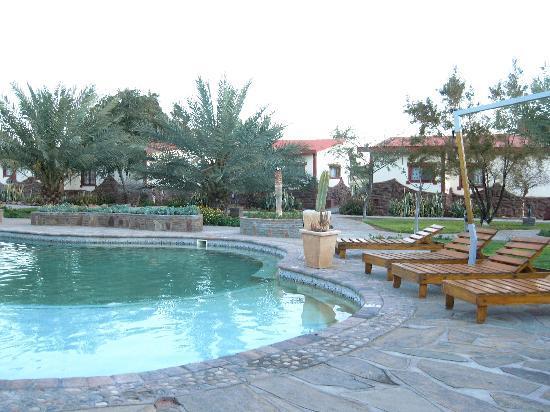 Namib Desert Lodge: piscina salata