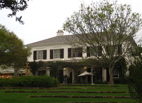 โรงแรมไวน์ยาร์ดแอนด์สปา: view from the garden