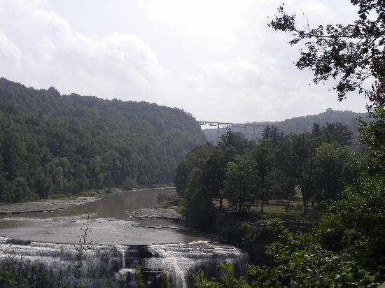 Letchworth State Park: view of the train tressel that crosses at the Upper Falls